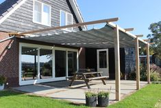 Outdoor Decor, Diy Garden, Home Projects, Diy Pergola, Seating Area, Cabins In The Woods, Pergola Screens, Garden Inspiration, Backyard House