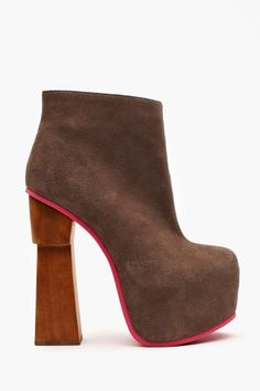 Yasmine Platform Boot in Sale Shoes at Nasty Gal Creative Shoes, Only Shoes, Platform Boots, Winter Shoes, Fashion Boots, Girl Fashion, Shoe Boots, Women's Shoes, Ankle Boots