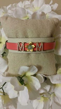 I LOVE the Flower as the O for Mom...  This Fresh Spring Look would be Great for Mother's Day!  www.keep-collective.com/with/cyndinesser