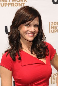 Carla Gugino joins Dwayne Johnson in San Andreas Carla Gugino Movies, Female Actresses, Actors & Actresses, San Andreas Movie, J Lo Fashion, Vogue Fashion, Fashion Hair, High Fashion, Beautiful Actresses