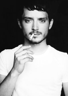 Portrait of a celebrity that makes them look ordinary. Elijah wood