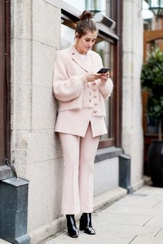 The following monochrome winter outfits prove that even opting for tones in the same color family can create a fresh, forward-feeling ensemble.