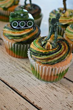 Camouflage Cupcakes - My Sweet Sanity