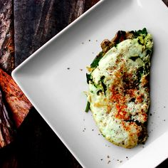 Egg white basil pesto omlete