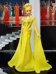 Miss Canary Islands 2013/2014 -  Esta impresionante belleza de alta costura inspirado por el diseñador Nicolás Jebran