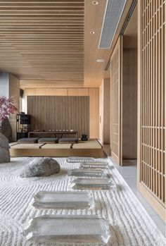 Even though simplicity is valued in Japanese modern design, texture is also plays a huge role. Design Zen, Design Blogs, Modern Design, Zen House Design, Modern Decor, Spa Design, Design Hotel, Modern Japanese Interior, Japanese Restaurant Interior