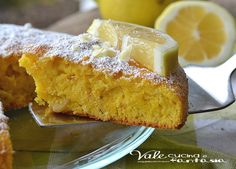 Torta caprese al limone e cioccolato bianco golosa e profumata si scioglie in bocca, una versione bianca tutta da gustare, soffice e delicata