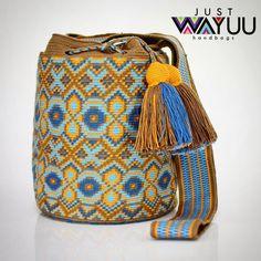 293 отметок «Нравится», 1 комментариев — Just Wayuu (@just.wayuu) в Instagram: «Handcrafted handbags made by indigenous wayuu in the north of Colombia. Worldwide shipping – envíos…»