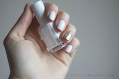 "vanillebrause: Essie ""Blanc"" and ""As Good als Gold"" Highlights / Details, nailart, nail inspiration, pshiiit"