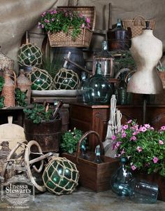 If you love the rustic and Country French look, then these settings should appeal to you. Since the kitchen was the center of the country home, pottery, bonbonnes, cutting boards, and other culinary antiques are essential in recreating the feeling of hearth and home that is Normandy, Provence and Luberon. #antique