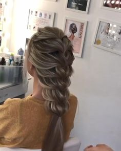 # easy messy Braids This feels soooo good ✨ Bun Hairstyles For Long Hair, Braids For Long Hair, Messy Braided Hairstyles, Curly Hair Dos, Messy Braids, Fast Hairstyles, Hairstyles Videos, Hair Up Styles, Hair Videos