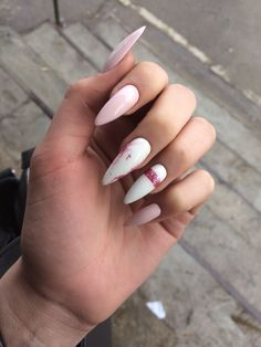 Fashionable Outfits Acrylic Nails Almond Shape, White Acrylic Nails, Almond Nails, Black Nails, Pink Nails, Gel Nails, Design Page, Manicure Y Pedicure, Manicure Ideas