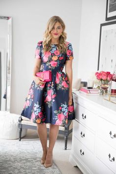 Adorable And Elegant Fashion For Fall With Flower Dress Style 15 Night Outfits, Mode Outfits, Dress Outfits, Flower Dresses, Pretty Dresses, Beautiful Dresses, Modest Fashion, Fashion Dresses, High Fashion