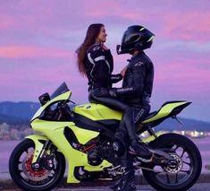Motorcycle Couple Pictures, Biker Couple, Biker Love, Biker Girl, Cute Relationship Goals, Cute Relationships, Biker Photoshoot, Foto Top, Bike Photography