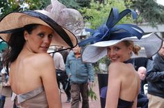 PRIX de l'ARC de TRIOMPHE : Elégance en chapeaux