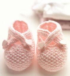 http://moutonrose.com/chaussons-en-tricot-pour-mon-bebe-de-c-bouquerel-corrections-de-quelques-erreurs/