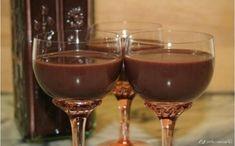 Kávés csokilikőr Recept képpel - Mindmegette.hu - Receptek Ital Food, Hungarian Recipes, Hungarian Food, Red Wine, Wine Glass, Alcoholic Drinks, Food And Drink, Tableware, Xmas