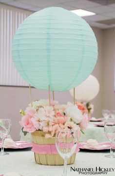ideas baby girl shower decorations table first birthdays for 2019 - New Deko Sites Hot Air Balloon Centerpieces, Diy Hot Air Balloons, Pastel Balloons, Baby Shower Centerpieces, Baby Shower Balloons, Baby Shower Parties, Deco Table Communion, Girl Baby Shower Decorations, Baby Boy Shower