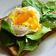 Poached Eggs Mytilene Avocado Breakfast, Breakfast Bowls, Best Breakfast, Egg Recipes, Diet Recipes, Cooking Recipes, Healthy Recipes, Vegetarian Paleo, How To Cook Eggs