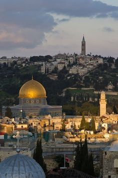 Jerusalem:The Holy Land.. I would ♥ to visit this place!
