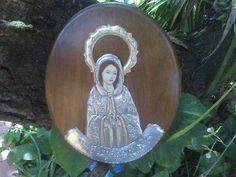 Virgen de la Rosa Mistica  Repujado en estaño  Elaborado por Myrla García de Garate  Caracas -Venezuela
