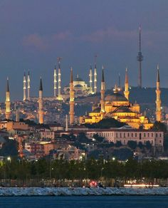 Sultanahmet Camii Arkada, Çamlıca Camii Istanbul City, Istanbul Travel, Best Places To Travel, Places To Visit, Islamic Sites, Mosque Architecture, Fantasy City, Hagia Sophia, Turkey Travel