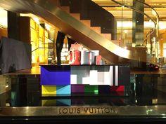 Louis Vuitton SS Show 2016 - George St Sydney Windows