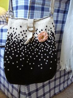 Chroche, knitting bags and purses Bag Crochet, Crochet Handbags, Crochet Purses, Love Crochet, Beautiful Crochet, Crochet Stitches, Tapestry Bag, Tapestry Crochet, Knitted Bags