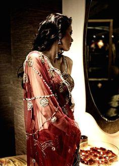 Red bridal fashion. #lehenga #choli #indian #hp #shaadi #bridal #fashion #style #desi #designer #blouse #wedding #gorgeous #beautiful