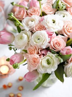 Konfirmasjonsbord i ulike nyanser av rosa Champagne Bottles, Wine Bottles, Prosecco, Bouquet, Instagram Posts, Plants, Drinking, Blogging, Husband