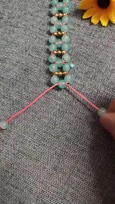 Macrame Jewelry, Wire Jewelry, Jewelry Bracelets, Diy Bracelets Easy, Braided Bracelets, Colorful Fish, Do It Yourself Projects, Jewelry Tools, Crafty
