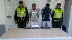 Persecución policial permitió la captura de dos personas con 2 mil dosis de bazuco.