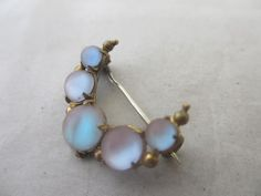Antique Edwardian Saphiret Glass Crescent Moon Brooch Pin 9957