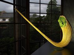 Daniel Ost in Kurashiki Art Floral, Floral Tops, Daniel Ost, Gregor Lersch, Moss Decor, Unique Flower Arrangements, Flora Design, Language Of Flowers, Design Competitions