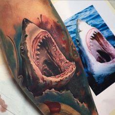 Tattoo by Benjamin Laukis at The Black Mark Tattoo Studio 3d Tattoos, Animal Tattoos, Sleeve Tattoos, Cool Tattoos, Tatoos, Small Shark Tattoo, Shark Jaws Tattoo, Mouth Tattoo, Shark Drawing
