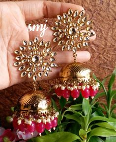🌟 To buy them dm or whatsapp me Indian Bridal Jewelry Sets, Indian Jewelry Earrings, Jewelry Design Earrings, Silver Jewellery Indian, Ear Jewelry, Gold Earrings, Antique Jewellery Designs, Fancy Jewellery, Stylish Jewelry