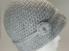 Free crochet cloche pattern.