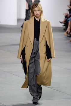 Michael Kors Collection Fall 2017 Ready-to-Wear Fashion Show - Edie Campbell