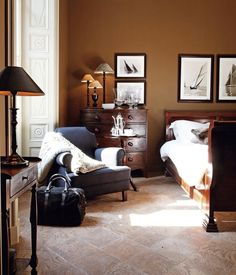Some Interior Decorating Ideas For Better Living – Modern Home Furniture Interior Wall Colors, Interior Walls, Decor Interior Design, Interior Decorating, Dark Cozy Bedroom, White Bedspreads, Image Deco, Modern Home Furniture, At Home Store