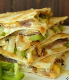 Philly-Cheese-Steak-lovers-will-go-crazy-over-this-quesadilla #best recipe to try