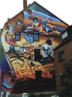 murals in Santiago, Chile