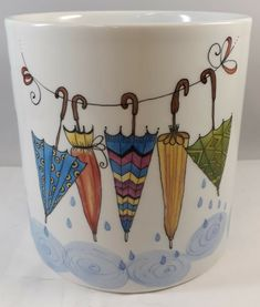 Porcelain Jewelry, Porcelain Ceramics, Porcelain Doll, Doll Drawing, Pottery Painting Designs, Clay Art Projects, Glaze Paint, Painted Mugs, Pintura Country