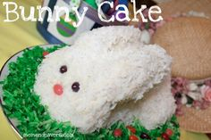 Directions for creating a 3D bunny cake! Perfect for #Easter!