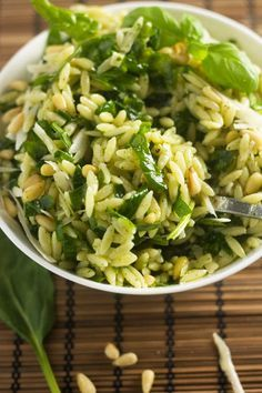 Recipes - Spinach, pesto & parmesan orzo salad - Apocalypse Now And Then Cooked Vegetable Recipes, Vegetable Korma Recipe, Spiral Vegetable Recipes, Vegetable Dishes, Vegetarian Recipes, Cooking Recipes, Healthy Recipes, Vegetable Samosa, Vegetable Spiralizer