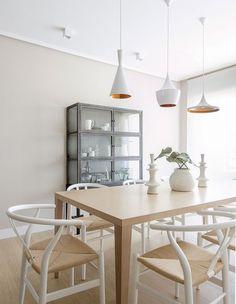 Una reforma e Interiorismo de Natalia Zubizarreta My House, Dining Table, House Design, Patio, Interior Design, Villa, Room, Inspiration, Furniture