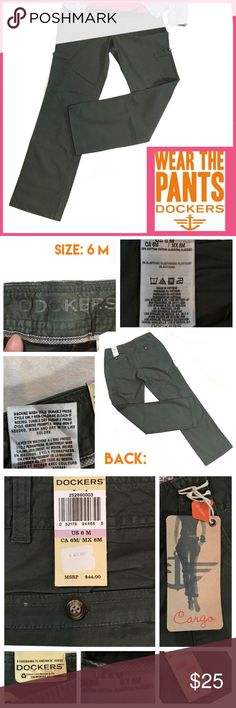 🌼Sz 6 DOCKERS-NWT-Cargo Pants Army Green DOCKERS by Levi Strauss & Co.  Army Green Khaki Diem Cargo Pants NWT •Size: 6 •SEE PICS FOR MORE INFO... •Please ask questions... •THANK YOU! •HAPPY POSHING🌼 •Deb 🌺 Dockers Pants