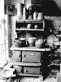 This brings back childhood memories of carrying in wood after I got home from school, having a wood stove with a reservoir and baking, using a wood stove. Antique Photos, Vintage Pictures, Vintage Photographs, Old Pictures, Old Photos, Vintage Cooking, Vintage Kitchen, Old Stove, Vintage Stoves