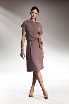 Subtelna sukienka z zamkiem