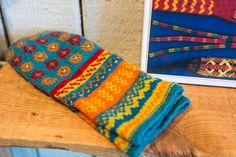 Mittens Pattern, Knit Mittens, Mitten Gloves, Wrist Warmers, Hand Warmers, Knitting Charts, Knitting Patterns, Norwegian Knitting, Fingerless Mitts