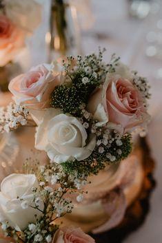 Hochzeitsinspiration // Tischdeko Hochzeit // Rosen // Vintage Hochzeitsdeko // Blumendekoration // Christina Hohner Photography // #hochzeitsinspiration #schlosshochzeit #vintage #deko #hochzeit #hochzeitsfoto